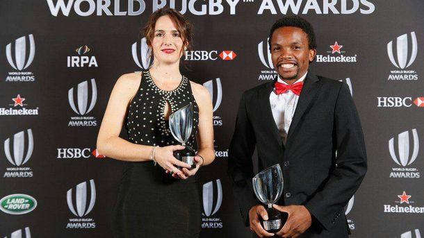 Foto: Alhambra Nievas junto al sudafricano Rasta Rasivhenge, los mejores árbitros del mundo.