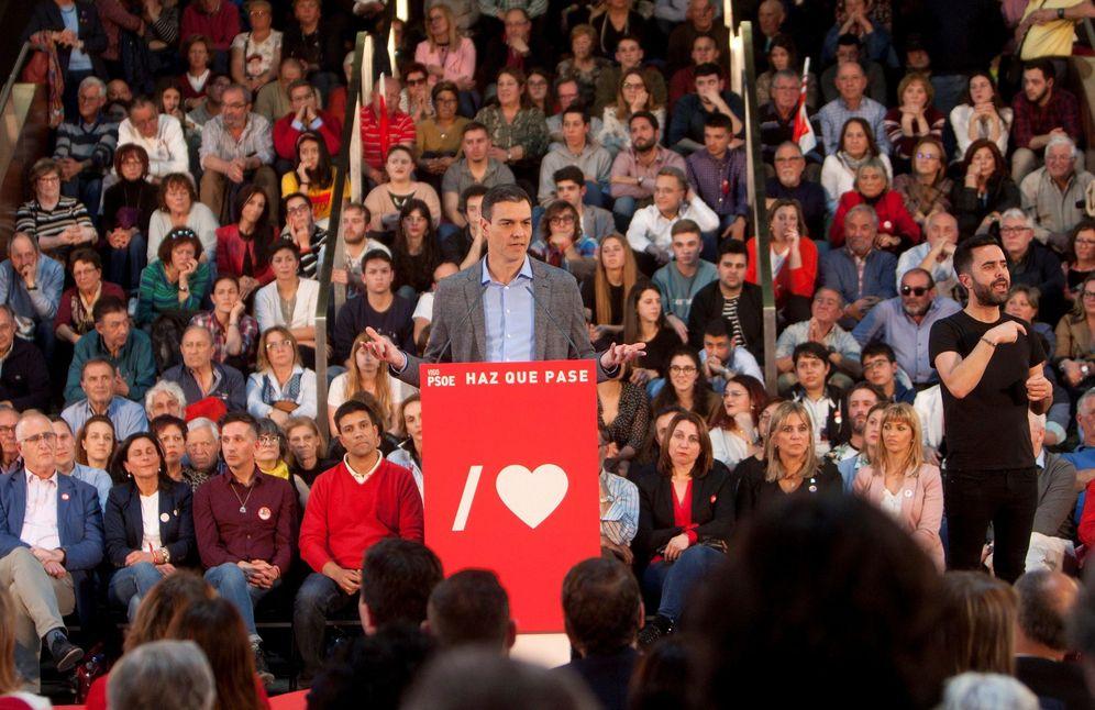 Foto: Pedro Sánchez, este 16 de abril durante su mitin en Vigo. (EFE)