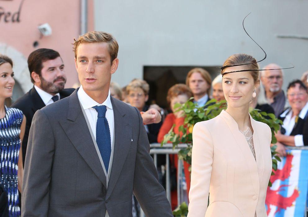 Foto: Pierre Casiraghi  y Beatrice Borrome este sábado en la boda de Félix de Luxmburgo. (I.C.)