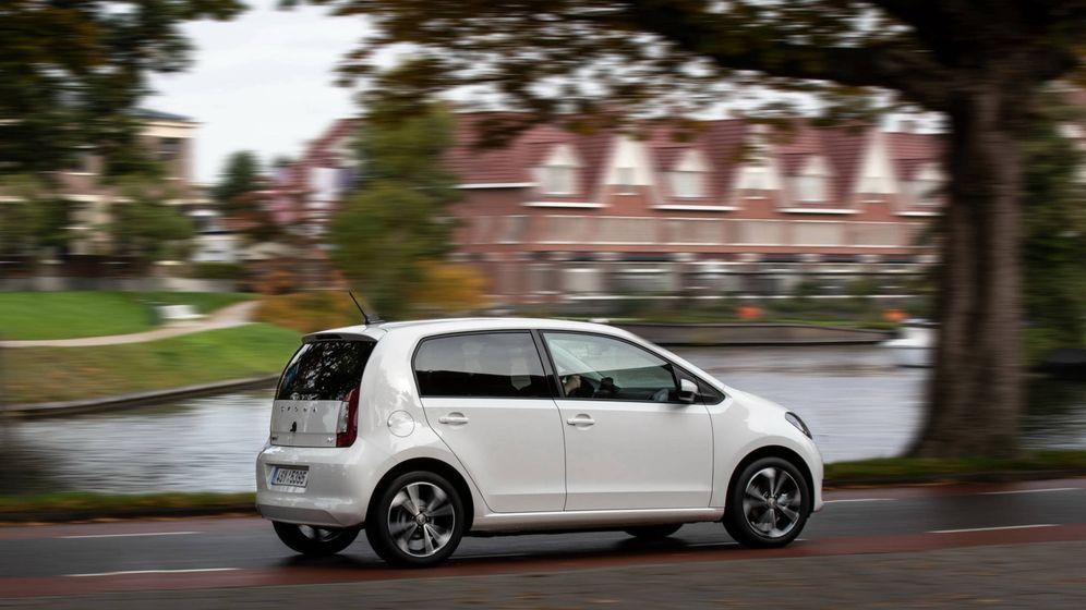 Foto: El Skoda Citigo iV, como el Volkswagen e-Up o el Seat Mii, son la apuesta por el coche eléctrico 0 emisiones.