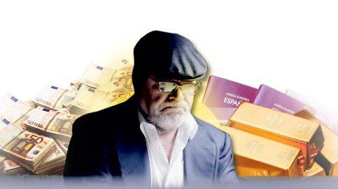 Lingotes de oro, 300.000 € y pasaportes en blanco: la caja fuerte del ático de Villarejo