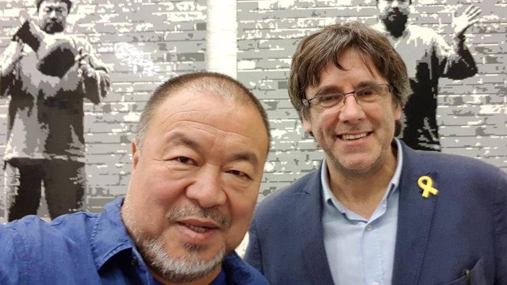 El disidente chino Ai Weiwei y Carles Puigdemont se reúnen e intercambian elogios en Berlín