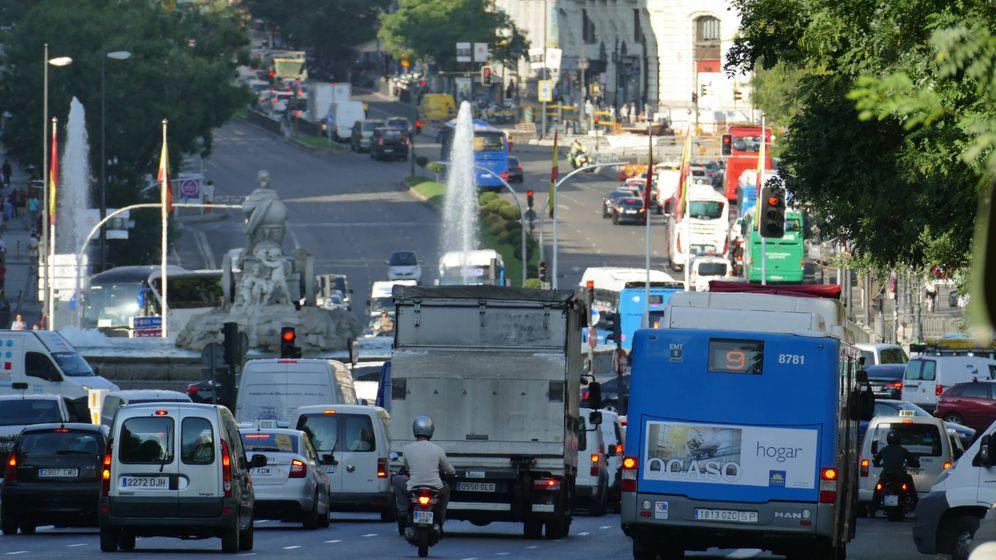 Foto: Para mejorar la calidad del aire en las ciudades hay que reducir el tráfico y retirar los coches más viejos.