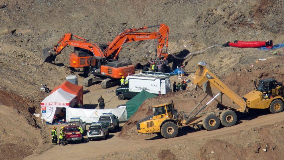 Foto: Vista general de la excavación de la galería horizontal para llegar hasta Julen en Totalán (Málaga). (EFE)