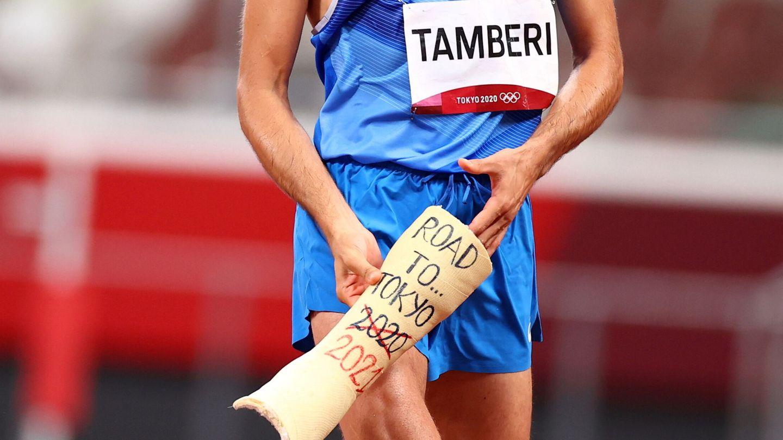 Tokyo 2020 Olympics - Athletics - Men's High Jump - Final- OLS - Olympic Stadium, Tokyo, Japan – August 1, 2021. Gianmarco Tamberi celebrates winning gold REUTERS Andrew Boyers