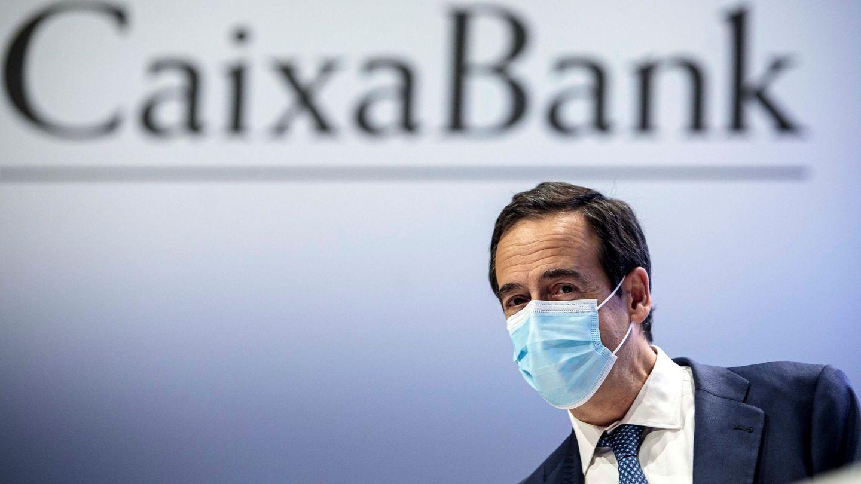 El consejero delegado de CaixaBank, Gonzalo Gortázar, durante la junta de accionistas. (EFE)