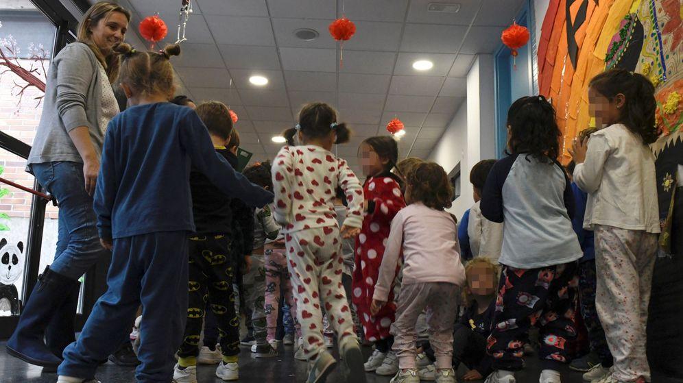 Foto: Niños en una escuela de Madrid. (EFE)