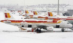 Barajas reanuda a 16.40 horas operaciones de despegue con un vuelo a Helsinki