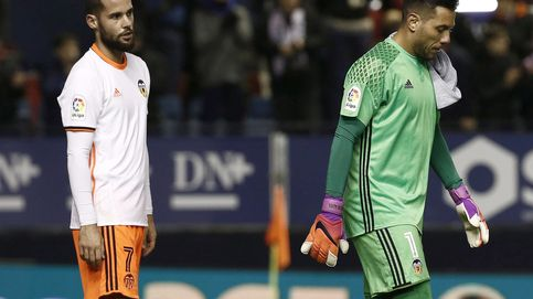 Mario Suárez provoca un incendio: acusa a un compañero de no querer jugar de central