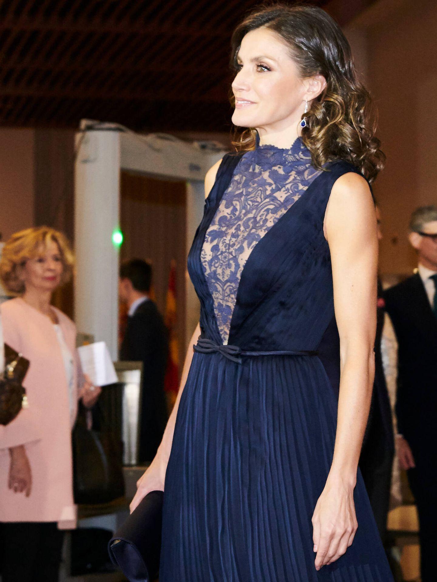 La Reina, con el vestido azul. (LP)