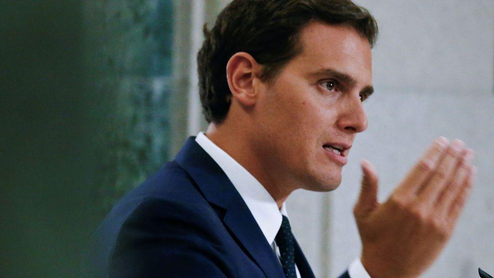 Rivera insiste en que es un pacto de investidura, no de Gobierno