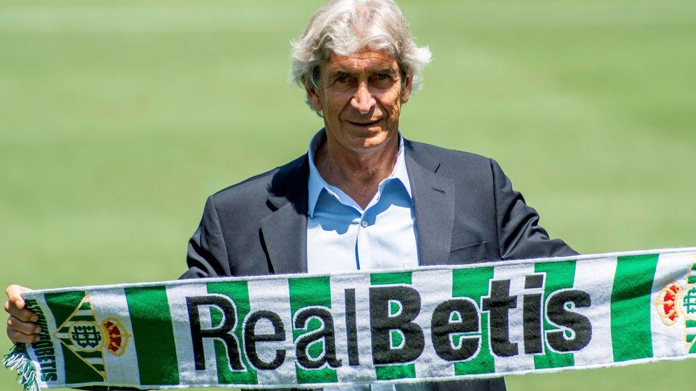 Foto: Pellegrini, el día de su presentación como nuevo entrenador del Betis. (EFE)