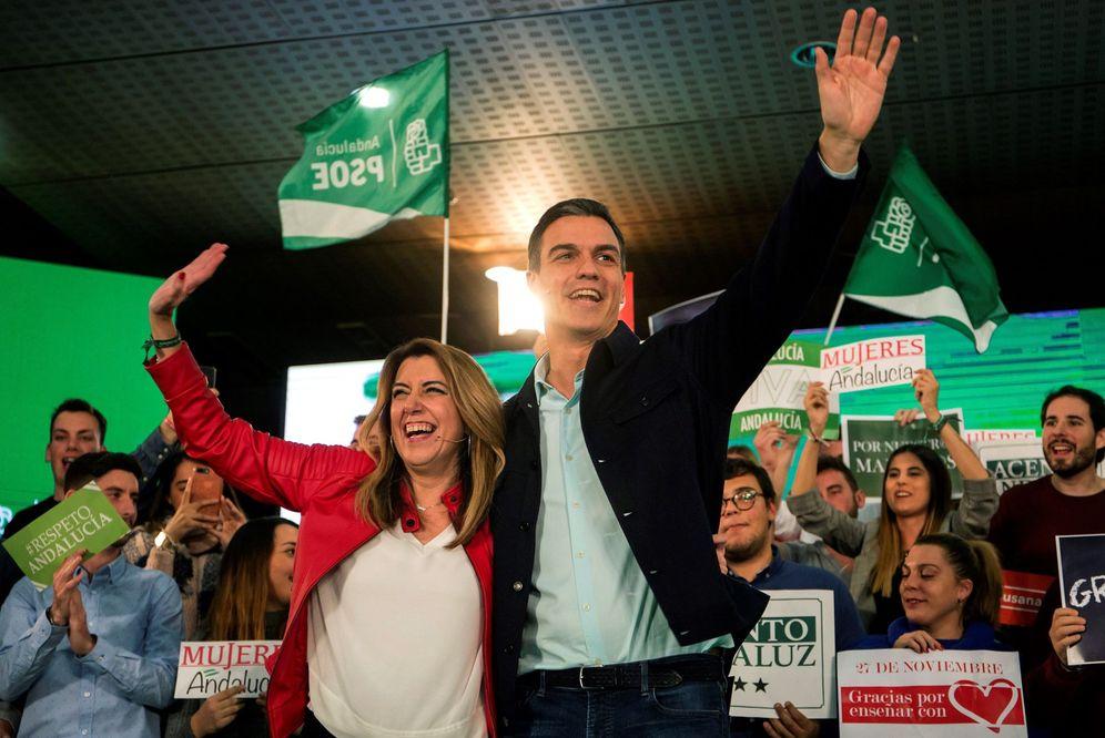 Foto: Pedro Sánchez y Susana Díaz, durante el inicio de su segundo acto de campaña juntos para las andaluzas; esta vez, en Marbella, este 27 de noviembre. (EFE)