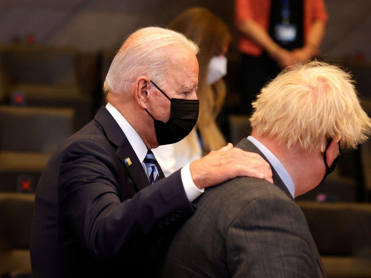 Foto: El presidente estadounidense Joe Biden y Boris Johnson (EFE)