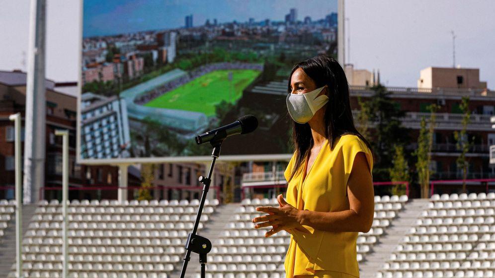 Foto: Begoña Villacís, con uno de sus grandes estrenos de la desescalada. (EFE)