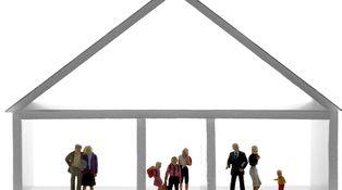 Somos familia numerosa: ¿puedo comprar dos casas contiguas y unirlas?