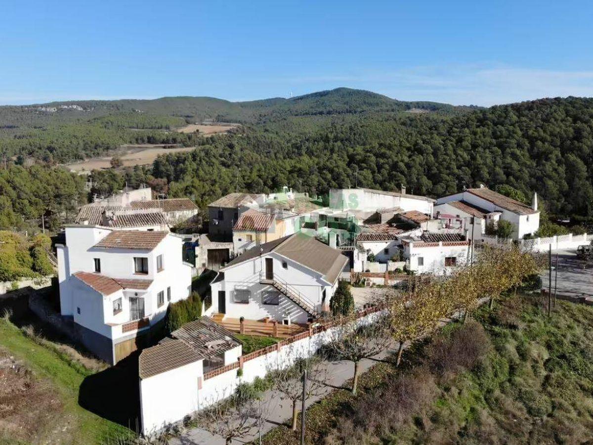 Foto: Vista aérea del poblado en venta. (Fotocasa)