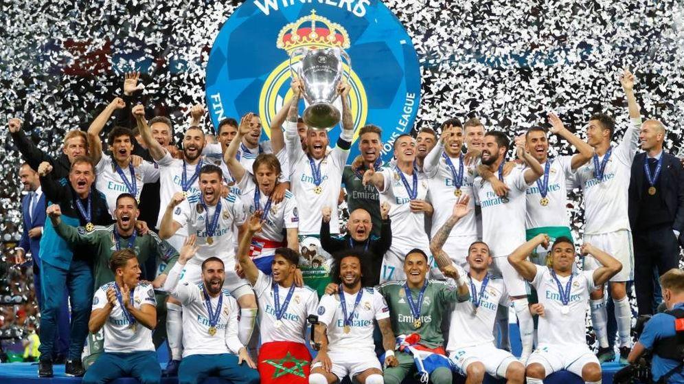 Foto: Los jugadores del Real Madrid celebran su decimotercera Champions. (EFE)