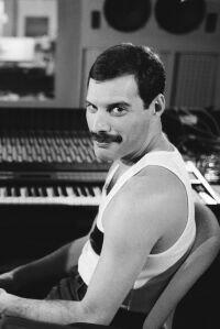Freddie Mercury, 75 años de su nacimiento: la novia, el villano y la herencia