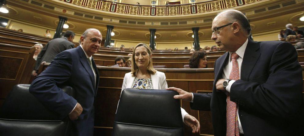 Foto: Jorge Fernández Díaz, Ana Pastor y Cristóbal Montoro (EFE)