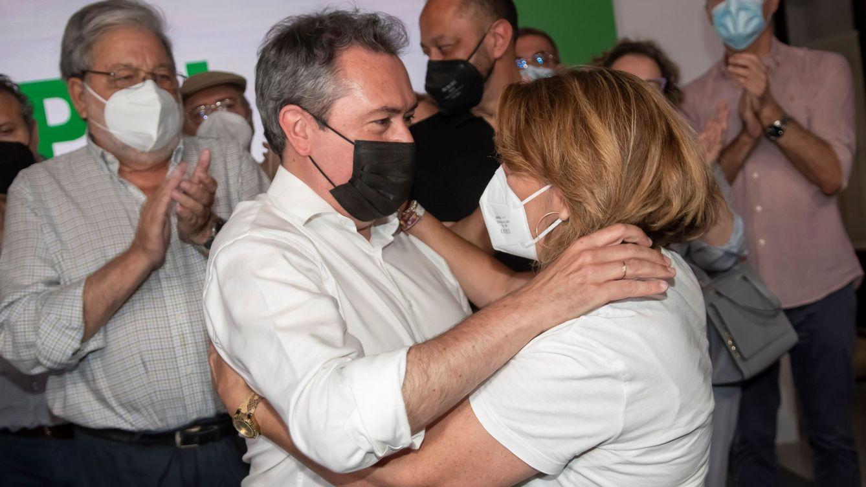 Susana Díaz pacta con Espadas los cambios en el Parlamento pero sigue sin dimitir