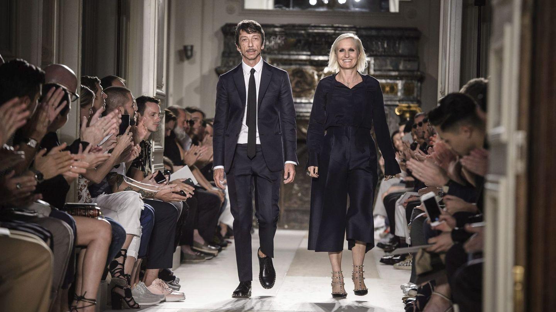 Maria Grazia Chiuri y Pierpaolo Piccioli,  cuando eran directores creativos de la maison Valentino, en 2016. (EFE)