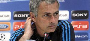 Mourinho romperá la 'Ley del Silencio' este lunes en Chipre, adonde no viajó Lass por lesión