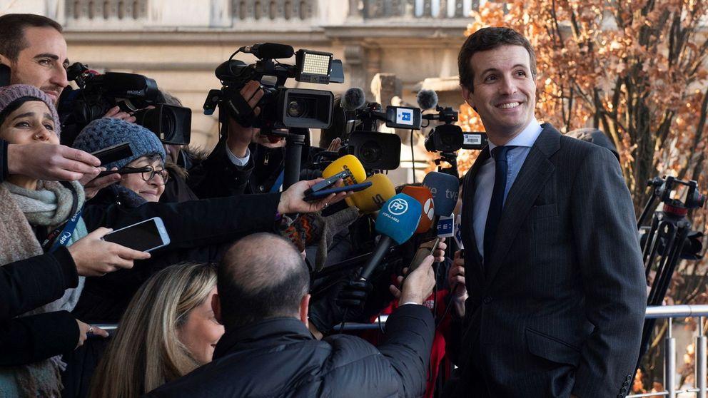 Casado encarga el programa electoral de mayo a un 'fontanero' de Rajoy