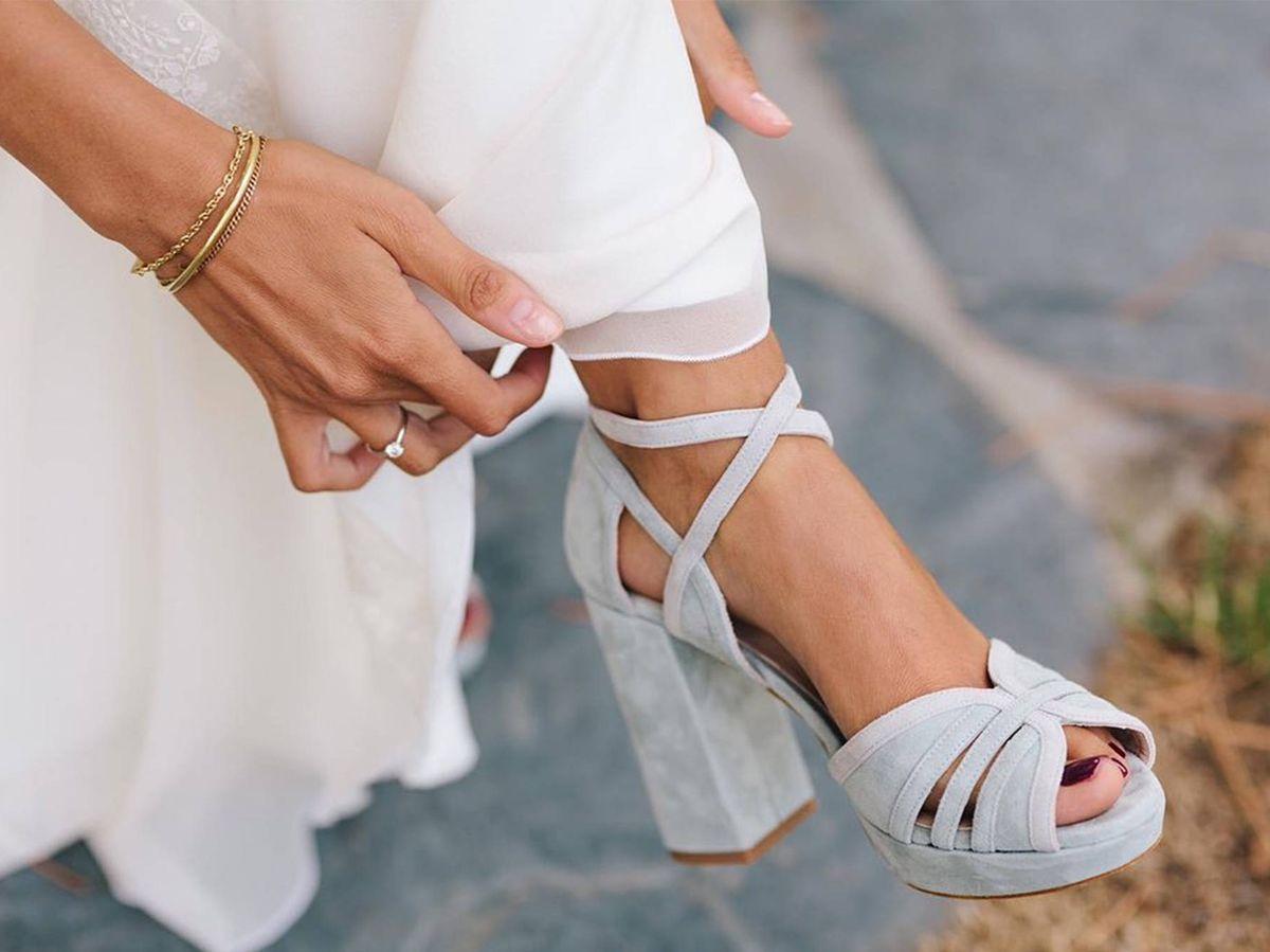 Foto: Descubre cómo elegir tus zapatos de novia. (Instagram @javiergonzalo_oficial / Fotografía: @lorenasanjose_photographer)