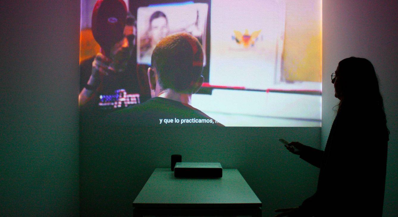 Foto: El Mi Projector te da hasta 150 pulgadas a un palmo de distancia de la pared. (E. Villarino)