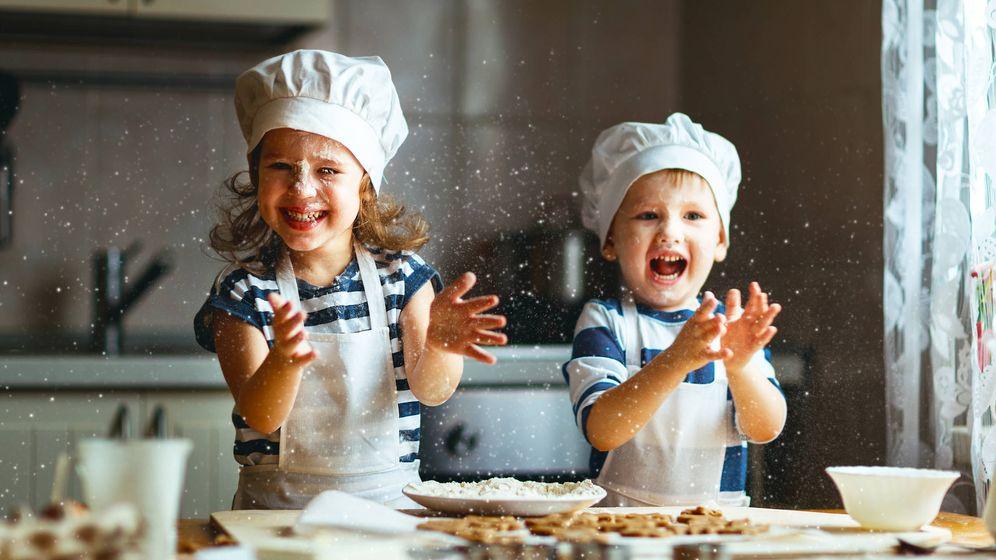 Foto: Niños en la cocina. (iStock)