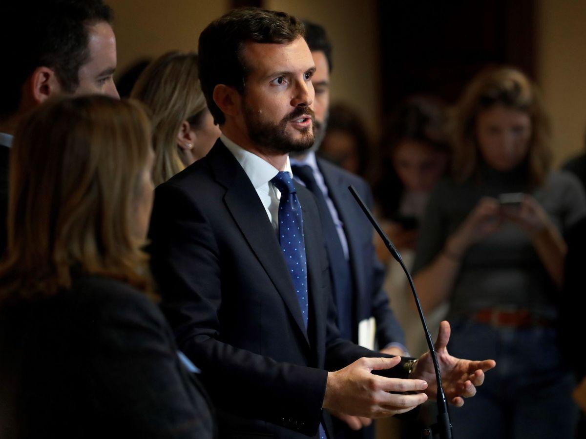 Foto: Pablo Casado, al recoger su acta de diputado en el Congreso. (EFE)