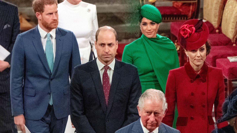 Los Sussex junto a la familia Real en su último viaje a Reino Unido en marzo de 2020. (Reuters)
