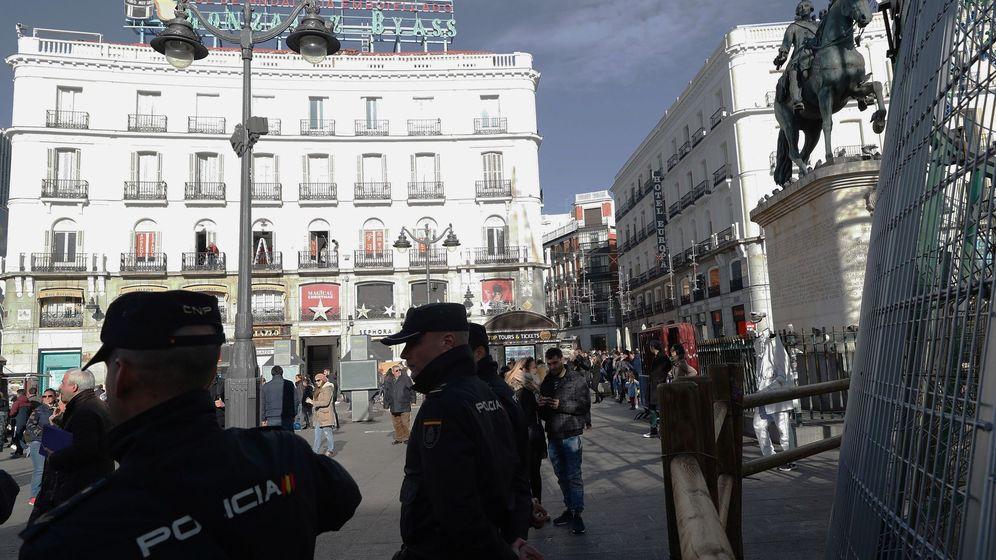 Foto: El número 11 de la Puerta del Sol, edidicio del 'Tío Pepe'. (EFE)