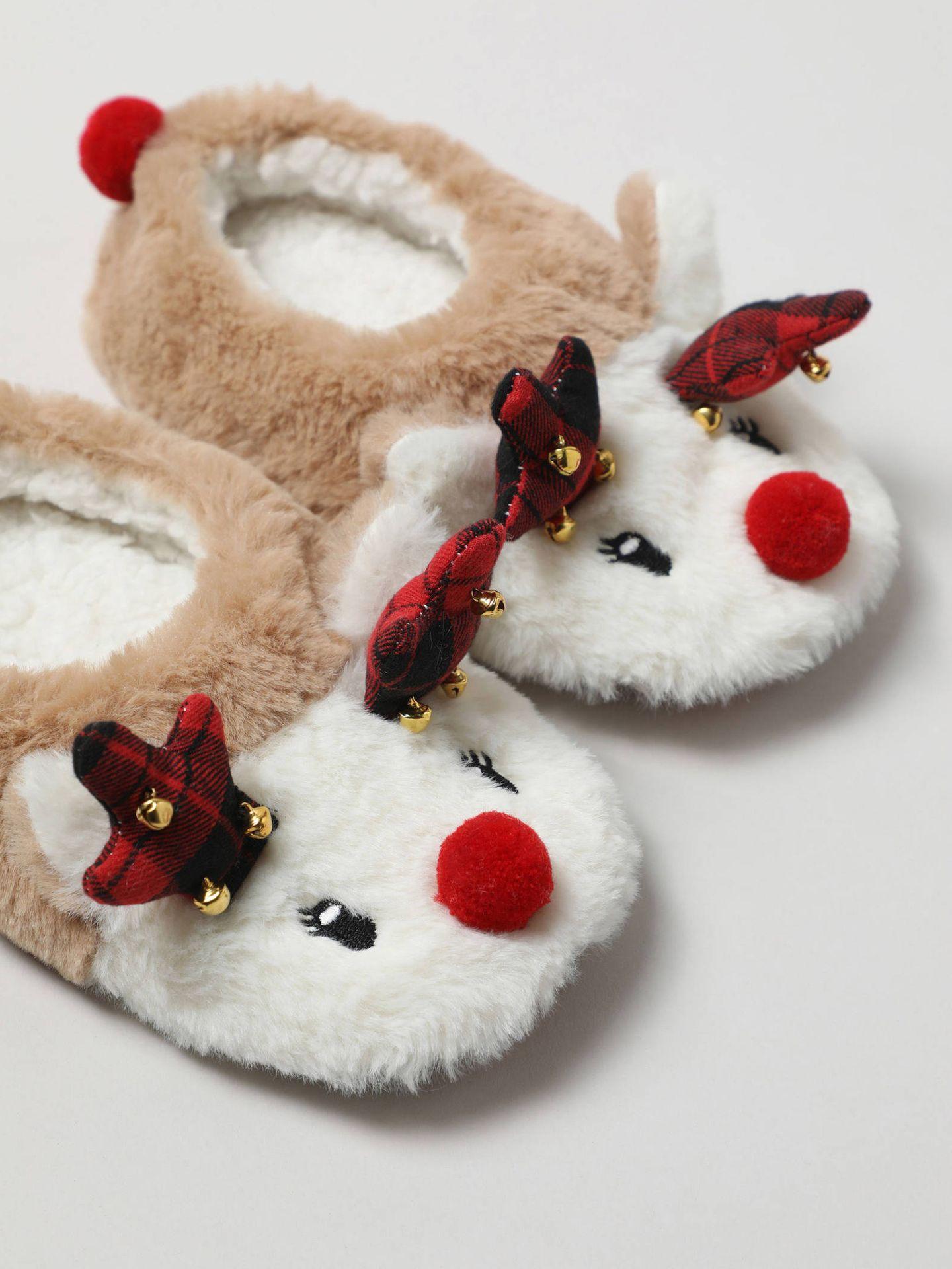 Complementos navideños de Lefties. (Cortesía)