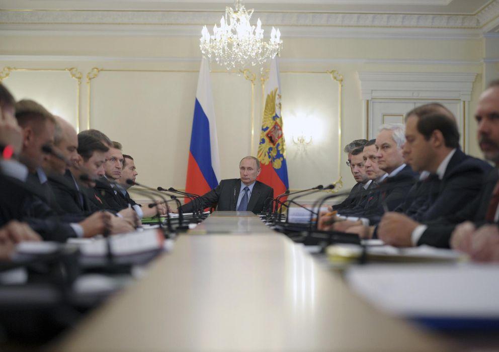 Foto: El presidente ruso Vladimir Putin durante una reunión ayer en Moscú con miembros de su Gobierno (Reuters).