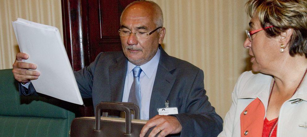 Foto: El expresidente de Catalunya Banc Adolf Todó en una comisión (Efe)
