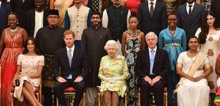 Post de Meghan Markle eclipsa a Isabel II en Buckingham con un look de Prada