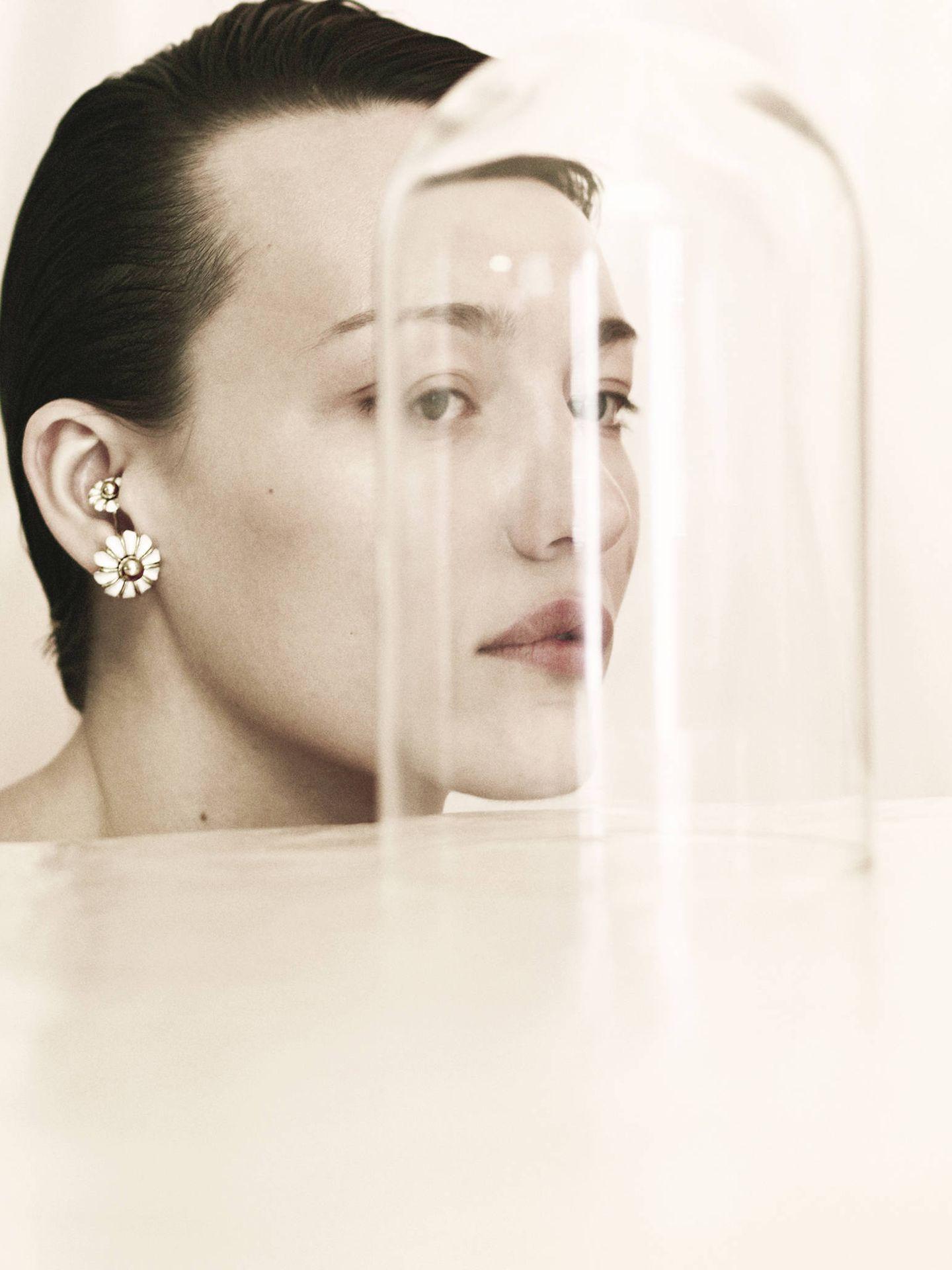 Beatriz Palacios ofrece joyas con toques dadaístas. Piezas, por cierto, imprescindibles. (Cortesía)