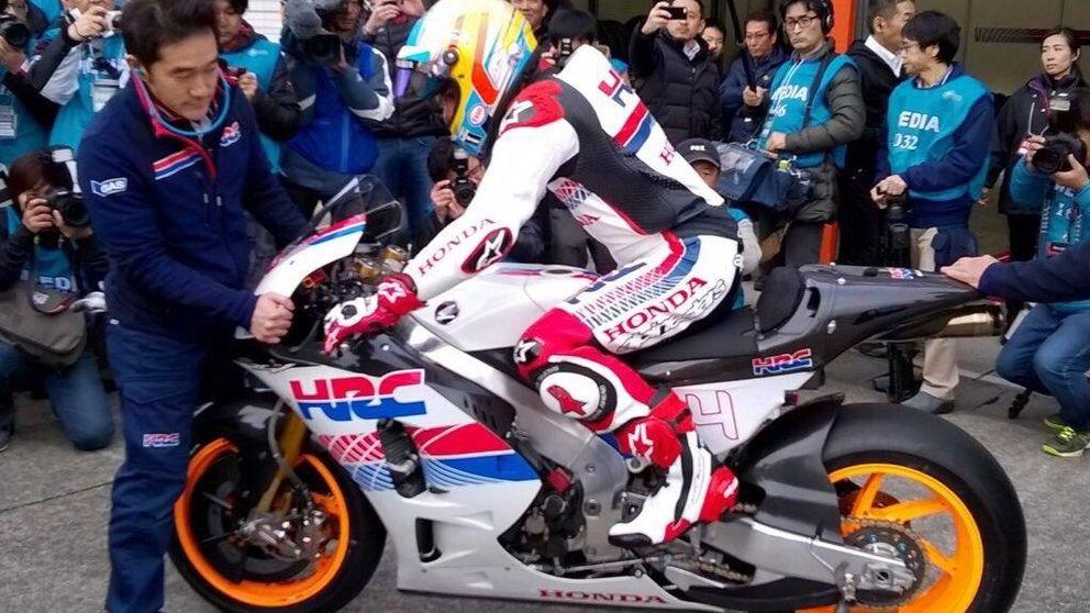 Un paseo en moto, la manera de Honda para decir a Alonso: Gracias, Fernando