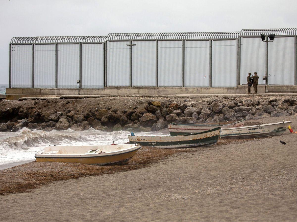 Foto: Playa del Tarajal, en Ceuta. (EFE)
