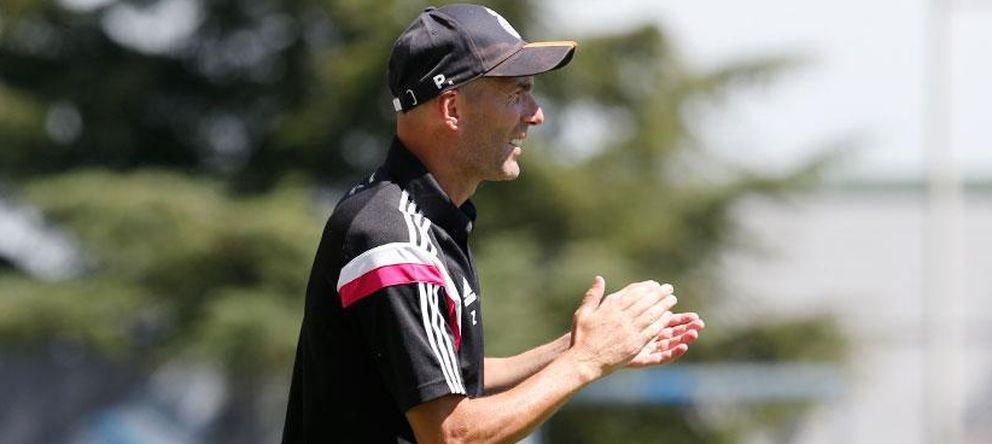 Foto: Zidane podrá seguir entrenando al Castilla (Realmadrid.com).