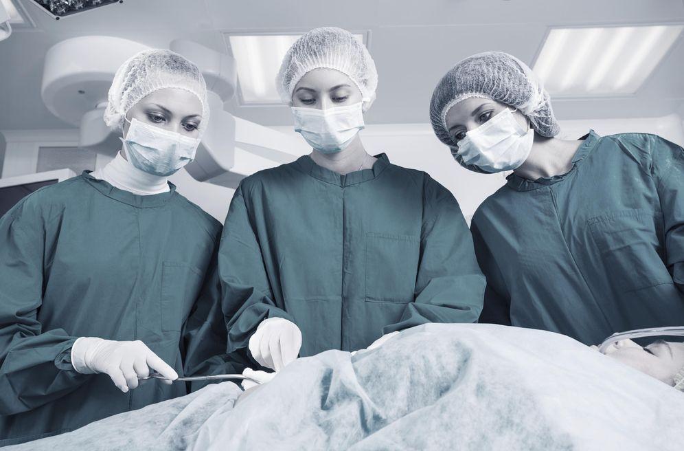 Foto: Los cirujanos también serán sustituidos por robots. (iStock)