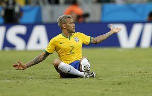 El Barça tiene una semana para evitar que Alves sea un problema