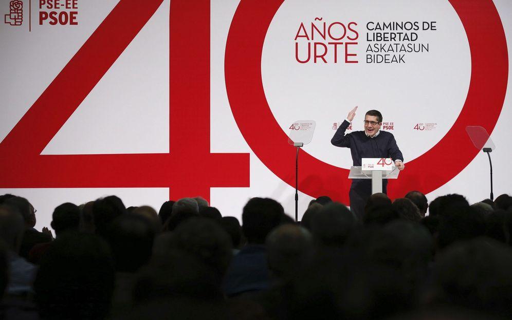 Foto: Patxi López, en el acto de celebración del 40º aniversario del PSE, este 2 de abril en San Sebastián. (EFE)