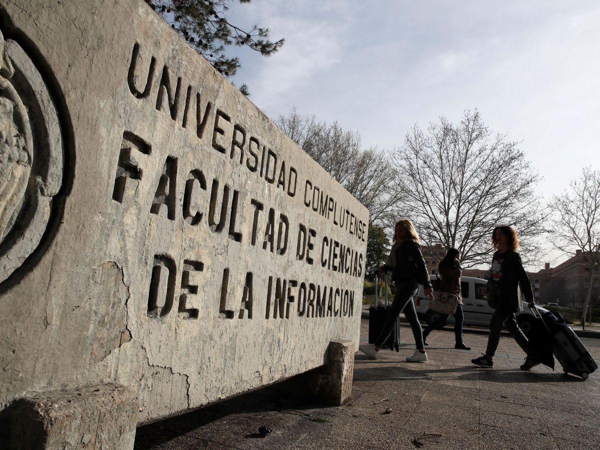 Foto: La Facultad de Ciencias de la Información, en la Universidad Complutense. (EFE)