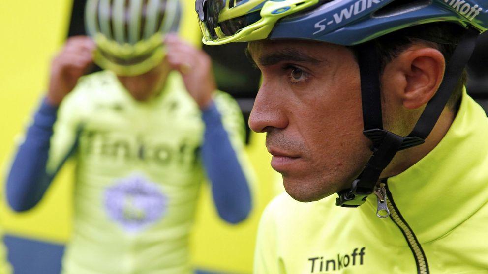 Alberto Contador sigue sufriendo sobre el sillín y se queda más solo que la una