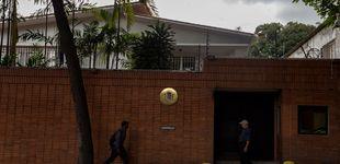 Post de Atacan con cócteles molotov la embajada de España en Venezuela