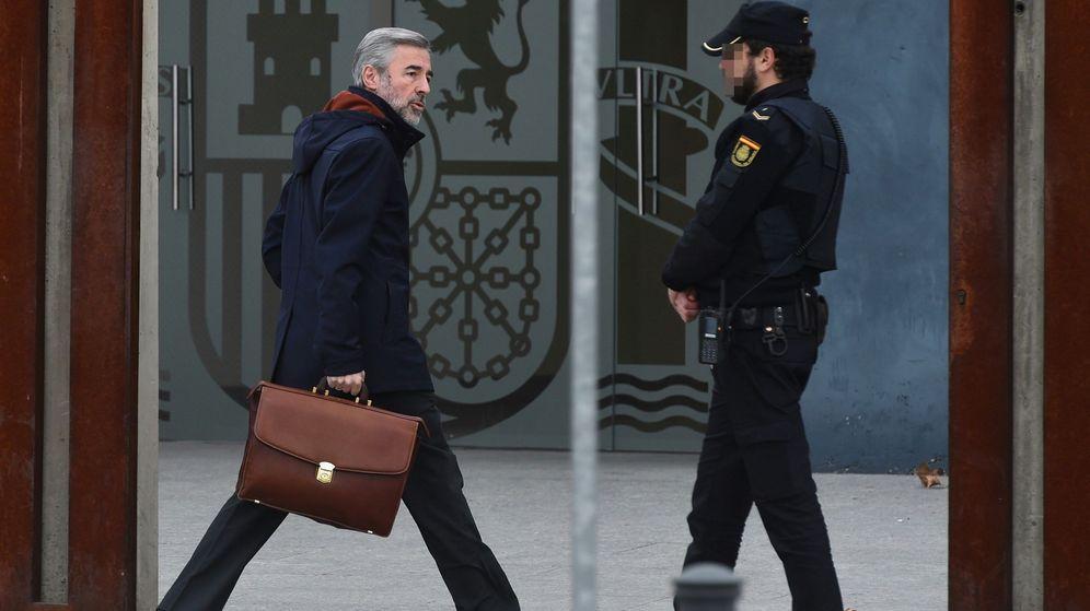 Foto: Ángel Acebes en su llegada a la Audiencia Nacional