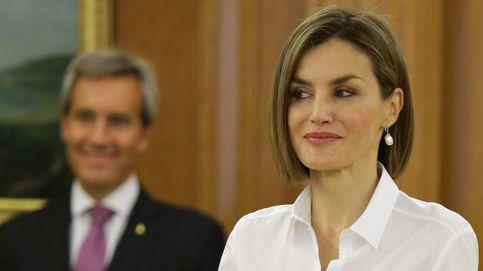 Doña Letizia empieza el curso pisando fuerte con unos Prada de 400 euros